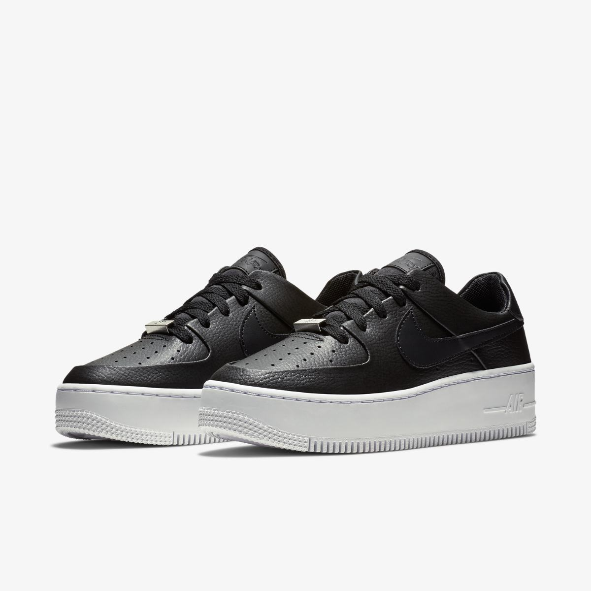 Кроссовки Nike Air Force 1 Sage Low
